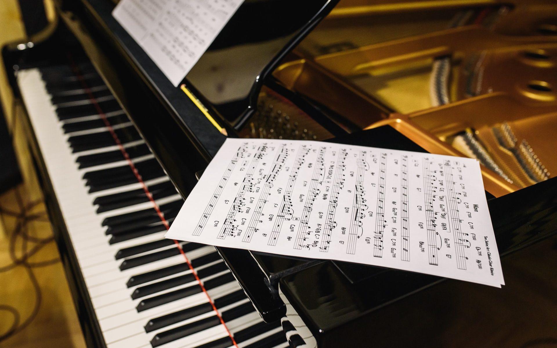 Nodeark på klaveret